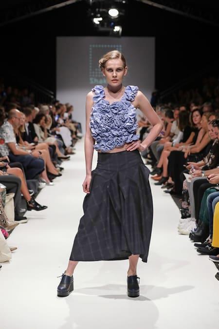 Damenpullover Hyperbolic Crochet hellblau, Rock blau