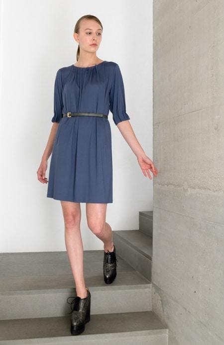 Jerseykleid mit Patronenfalten blau