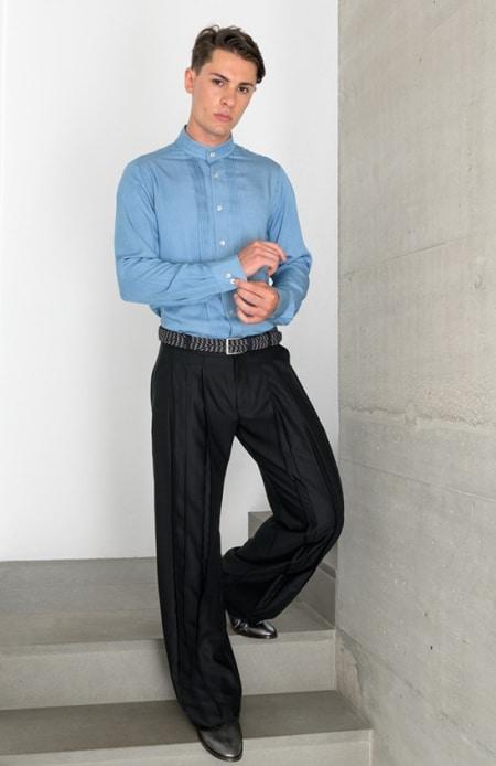 Herrenhemd mit Biesen eisblau, Hakama schwarz