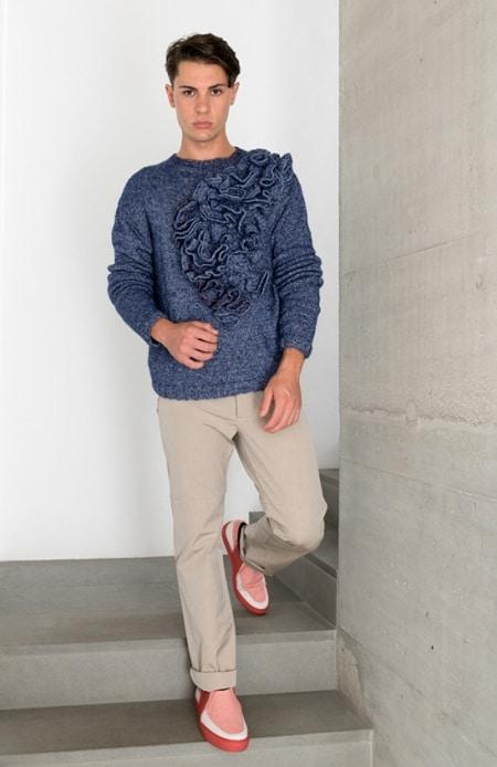 Herrenpullover Hyperbolic Crochet blau meliert, Chino beige